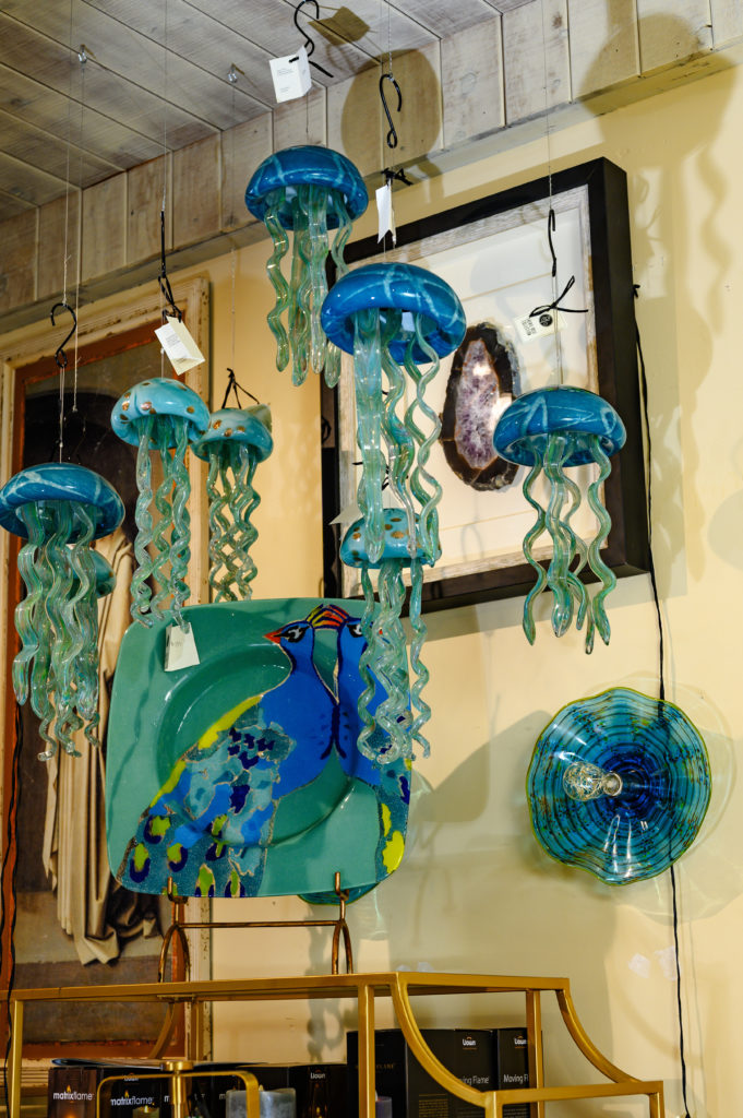 cherie-rose-jellyfish-decor-unique-design-interior-agate